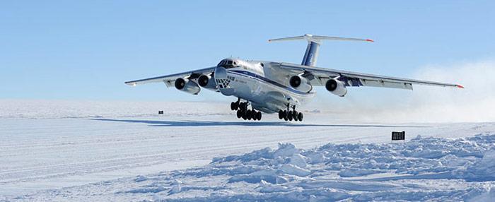 Iljuschin IL 76 in der Antarktis