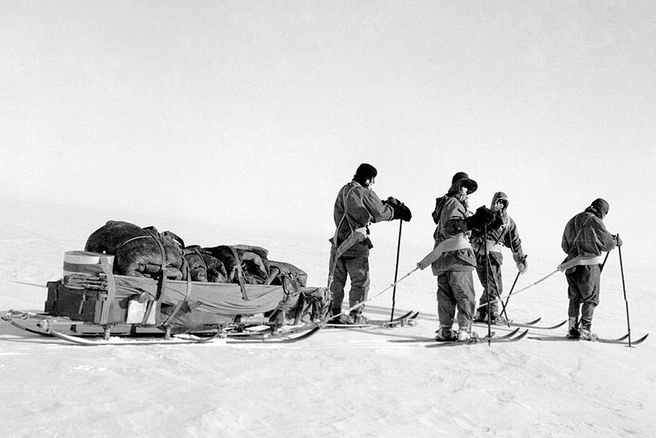Scott und sein Team hatten vor, von Cape Evans aus über den Beardmore Gletscher aus antarktische Hochplateau und von dort direkt mit Schlitten zum Südpol zu wandern.