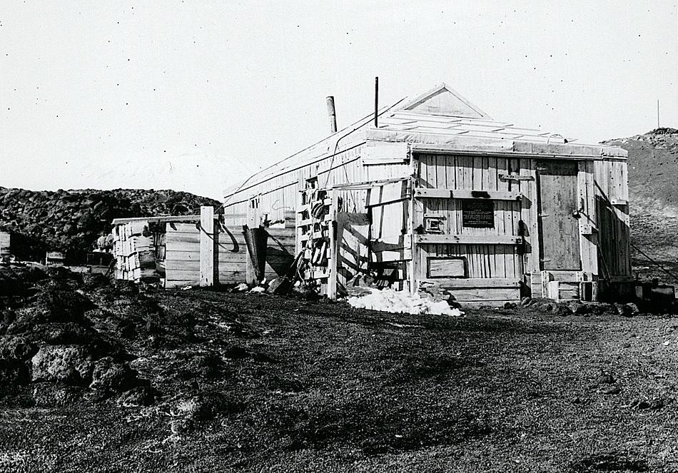 Shackletons Hütte bei Cape Royds (Foto ©Antarctica New Zealand Pictorial Collection, 40421, 1973)