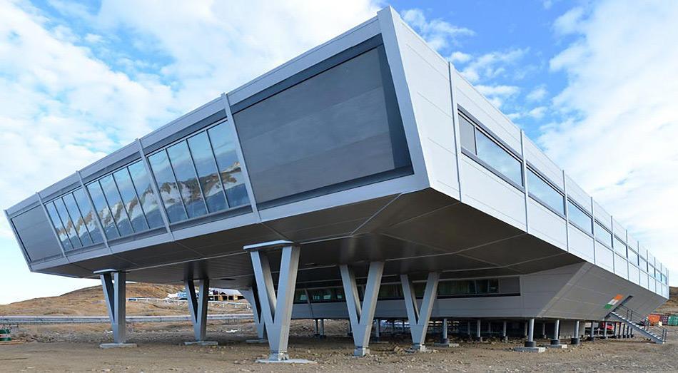 Die hochmoderne für den Ganzjahresbetrieb ausgelegte Station soll bis zu 50 Personen aufnehmen. In der Station untergebracht sind Unterkünfte, Labore und Werkstätten für Forschungstätigkeiten sowie soziale Einrichtungen, darunter einen medizinischen Operationsraum und einen multifunktionalen Kinoraum.