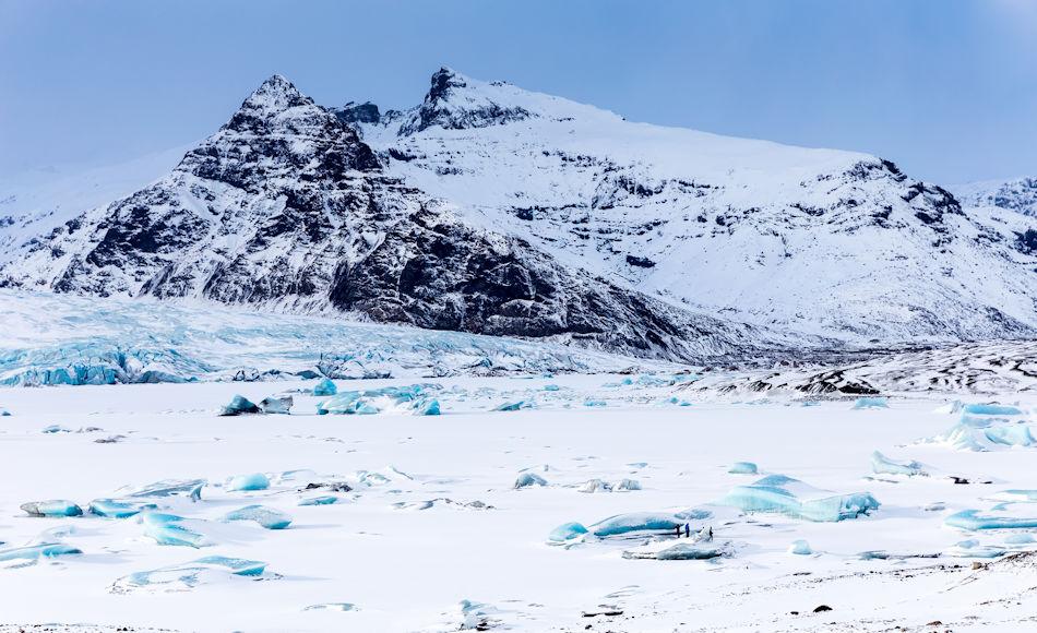 Obwohl Island knapp unterhalb des Polarkreises liegt und die Insel stark durch die jahrtausendealte Besiedlung beeinflusst worden ist, haben Reisen nach Island Arktisexpeditionscharakter. Viele AECO-Mitglieder starten und enden ihre Ostgrönlandreisen in Island. Bild: Annina Egli