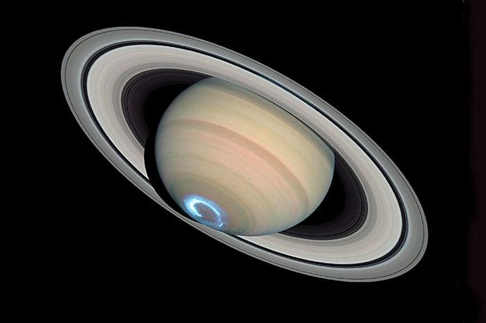 Saturn-Hubble