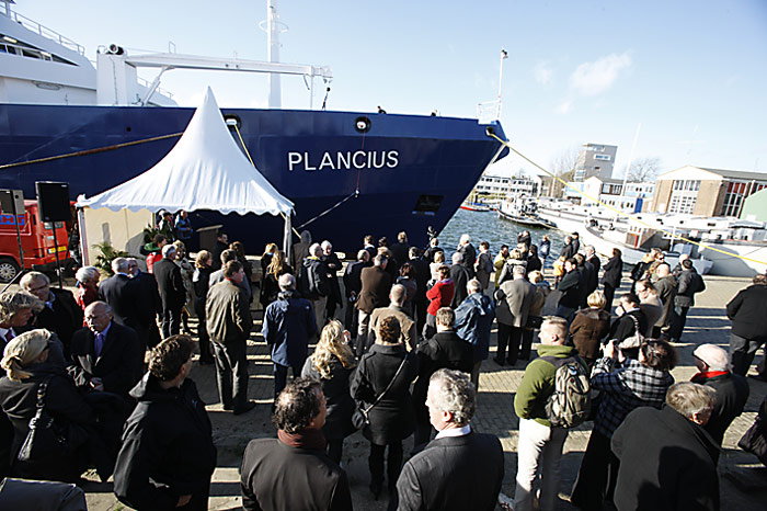 PolarNEWS_Schiffstaufe_Plancius_Gaeste