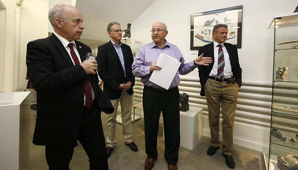 Führung durch die Gallery Cerny, v.l.n.r. Bundespräsident Ueli Maurer, Prof. Thomas Stocker, Peter Cerny, Norbert Hochreutener.