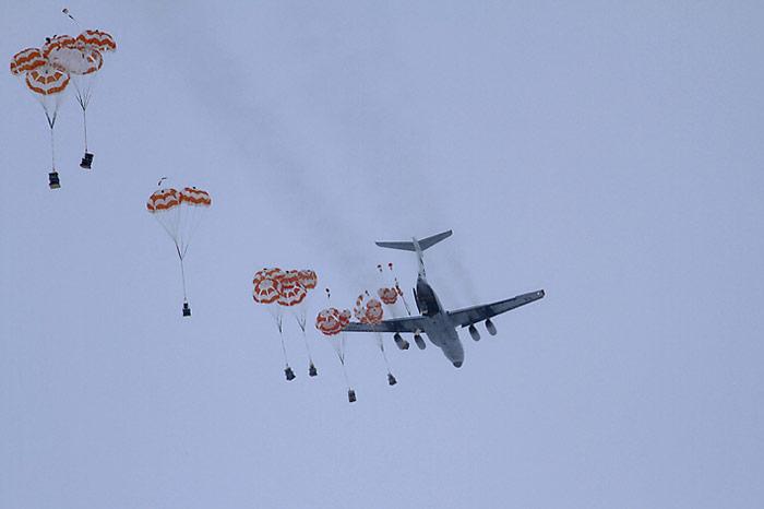 Iljuschin 76 Fallschirmabwurf